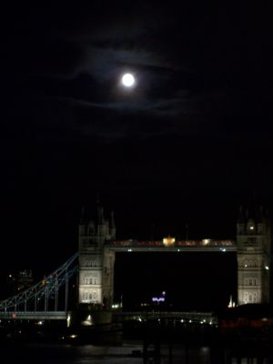 Puente Bajo La Luna Tower-bridge Londres Inglaterra